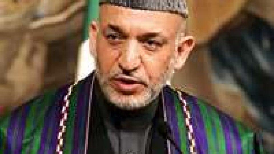 Afghanistan: Karzai ordina scioglimento polizie locali