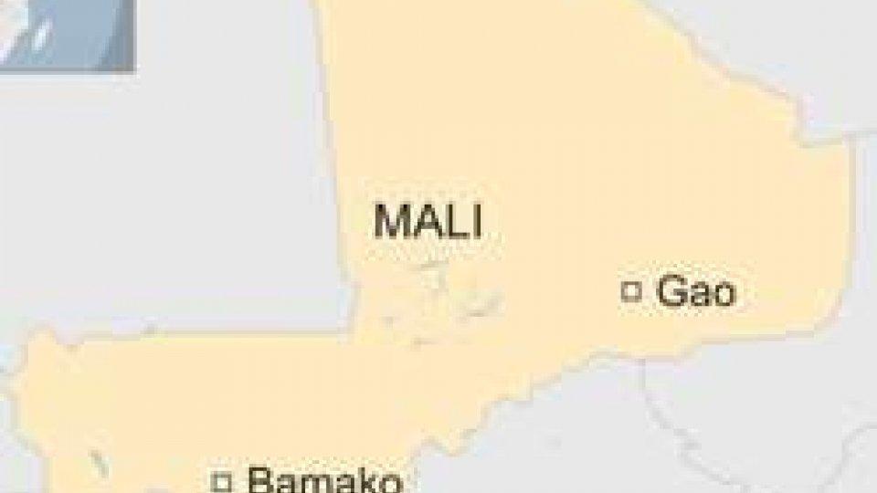 Mali: autobomba contro militari, almeno 37 i morti