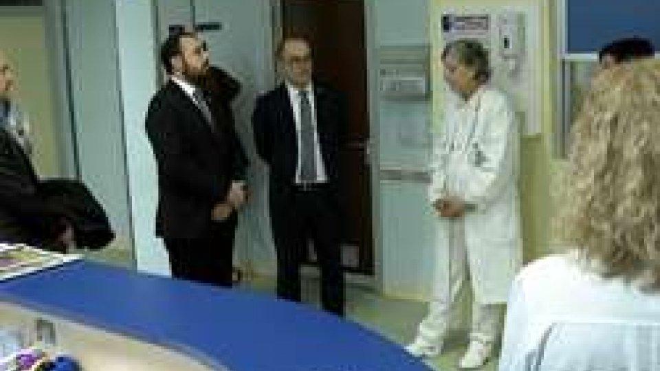 Reggenti in OncologiaLa Reggenza in visita ai pazienti del reparto di oncologia