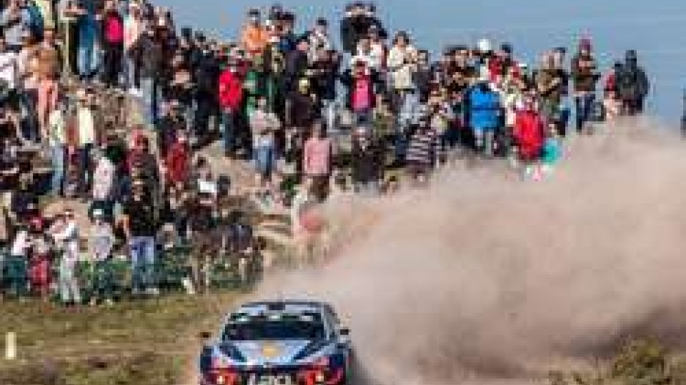 Rally di Portogallo: Neuville in testa