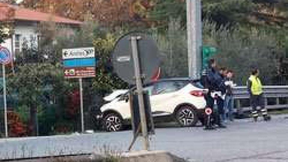 Incidente sulla Consolare all'altezza dell'imbocco dell'A14