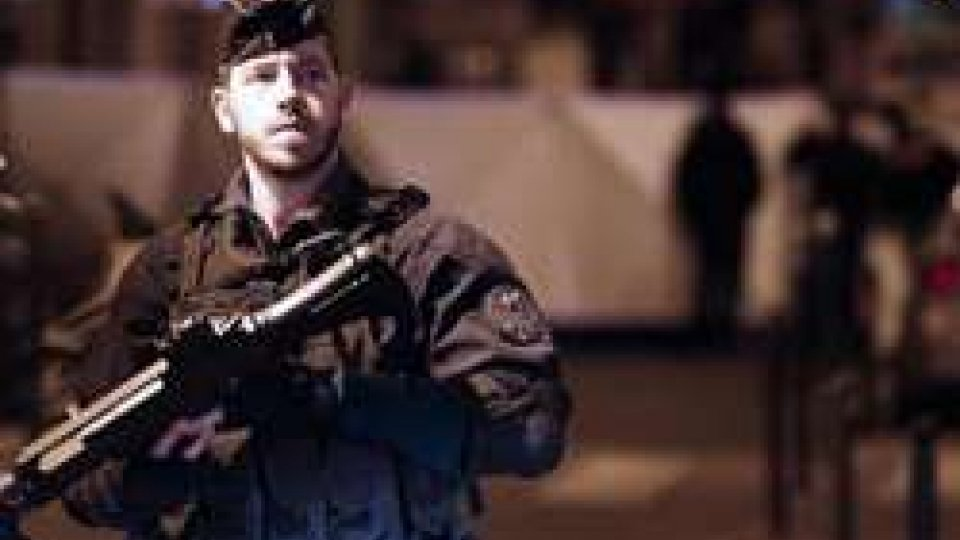 @ansaTerrorismo: è un 21enne ceceno l'autore dell'azione terroristica di Parigi