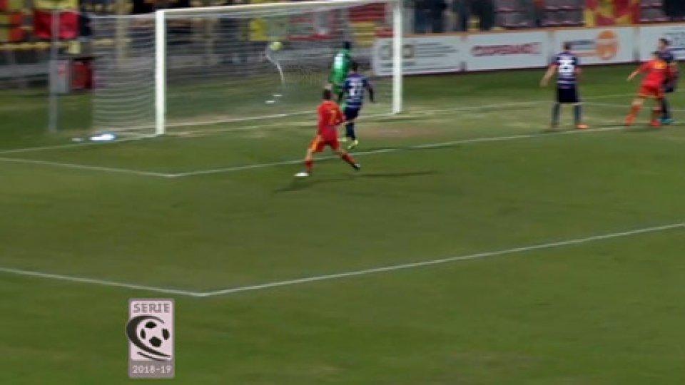 """Ravenna - Teramo 1-3Il Ravenna subisce altri 3 gol, al """"Benelli"""" è 1-3 Teramo"""