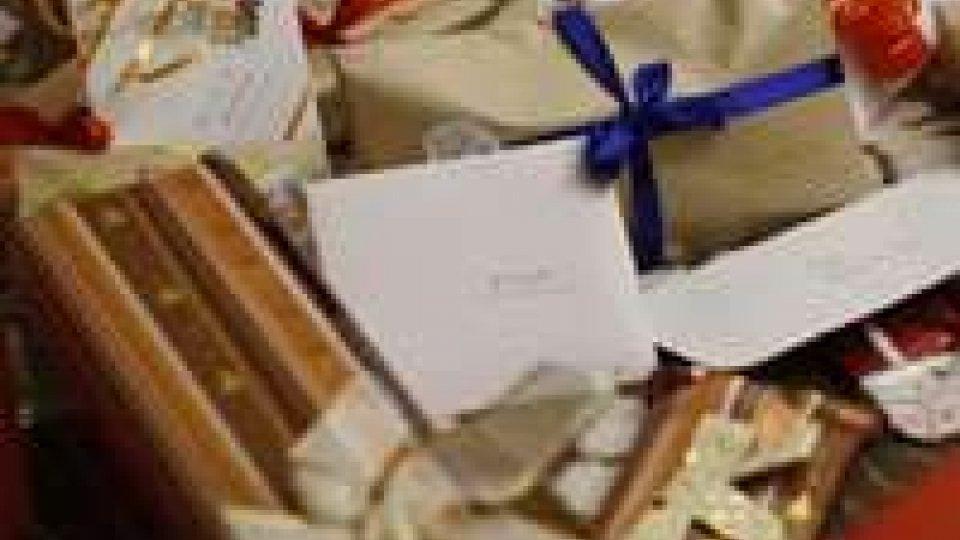 Crisi: il 36% degli italiani ricicla i regali delle feste