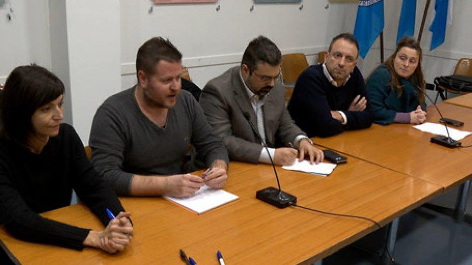 Conferenza opposizioneL'opposizione presenta altri 2 referendum