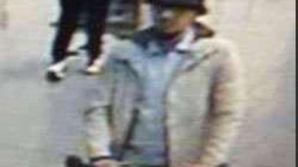 ricercatoBruxelles: é caccia all'uomo col cappello, intanto sale bilancio vittime attentati