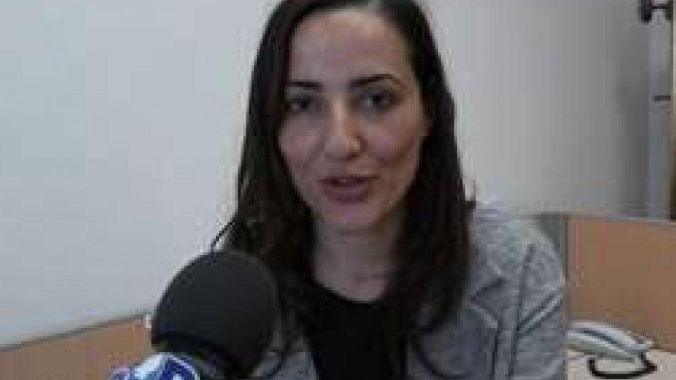 Nel video intervista a Esma Çak?rLa Stampa Estera in Italia elegge dopo quasi 20 anni una donna presidente