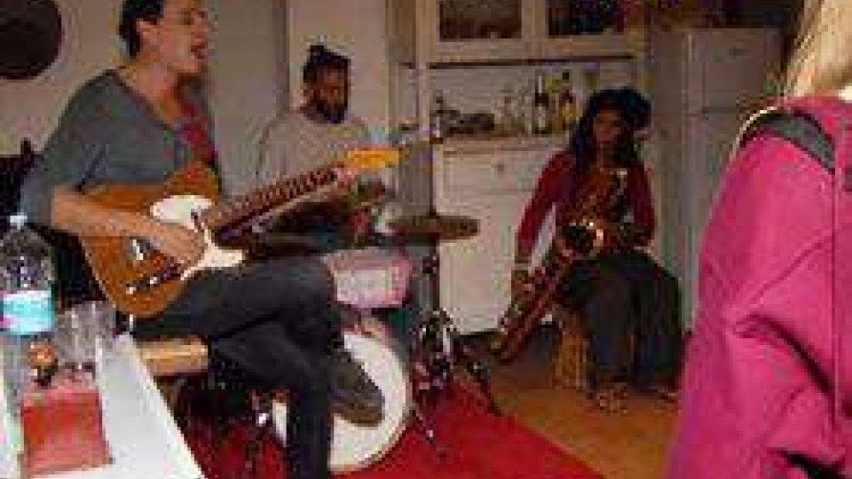"""""""Artisti in casa"""", festival di microspettacoli - sabato 16 settembre"""