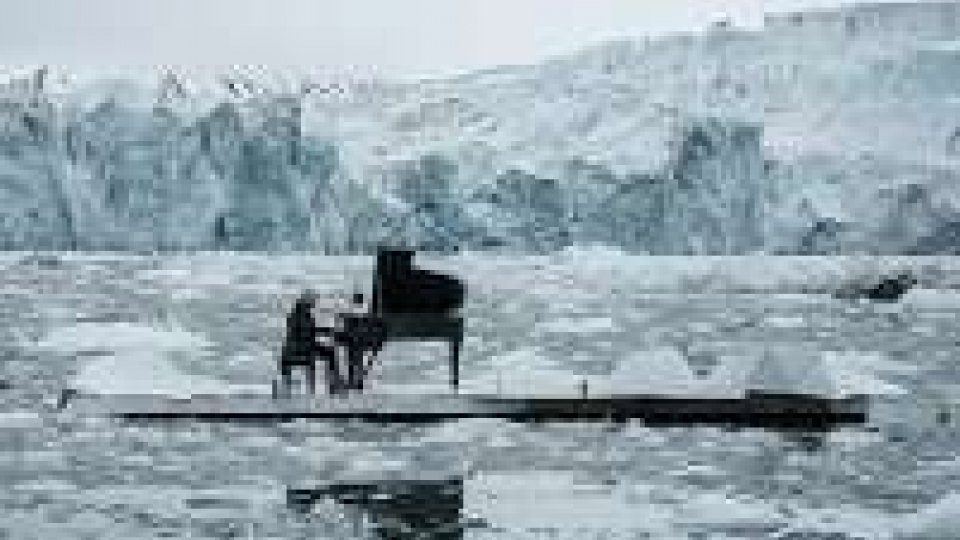 Einaudi per Greenpeace nell'Artico