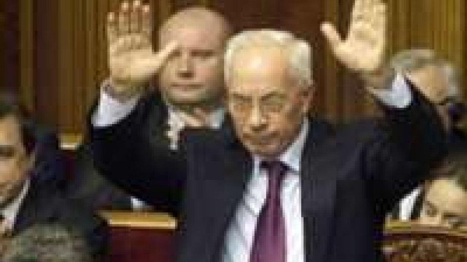 """Ucraina, si dimette Premier Azarov, """"per soluzione pacifica"""""""