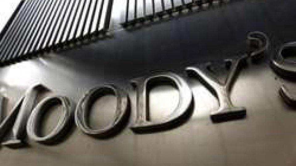 Moody's conferma rating negativo dell'Italia: pesa l'incertezza politica