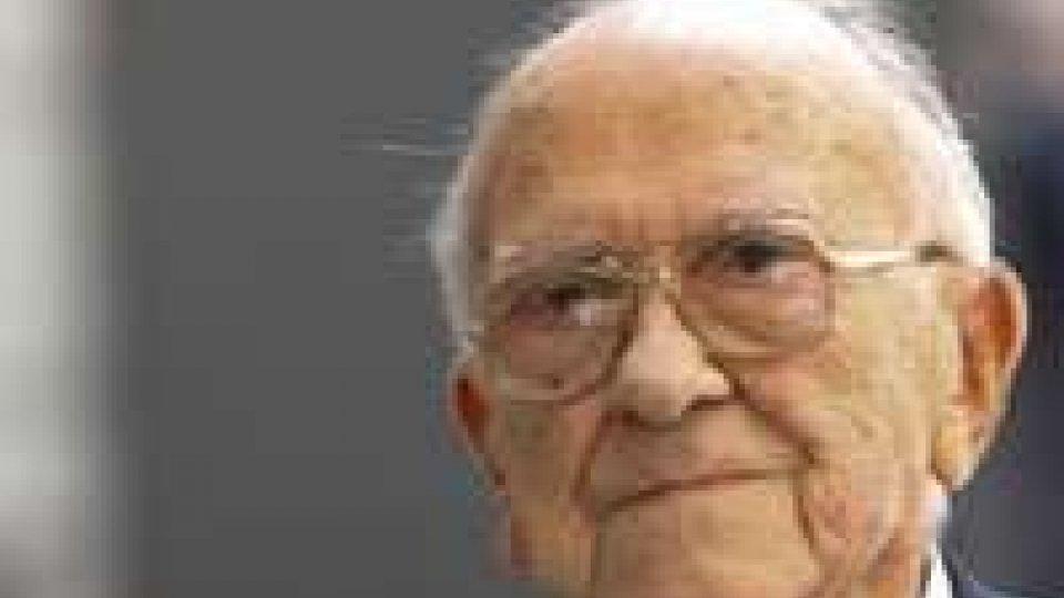 """Spagna: morto Santiago Carrillo, l'ultima """"icona rossa"""""""