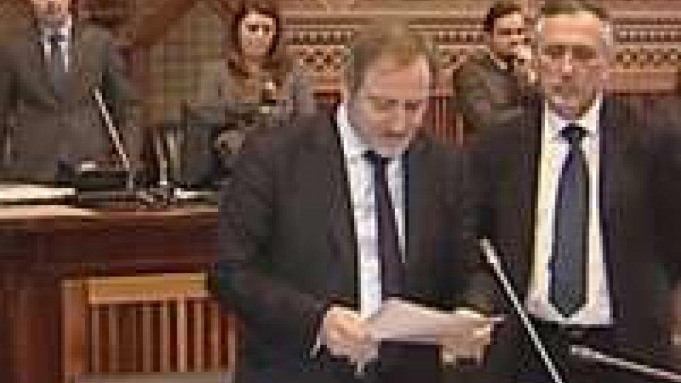 Consiglio Grande e Generale. Assemblea impegnata nella discussione del bilancio 2013Consiglio sul Bilancio 2013