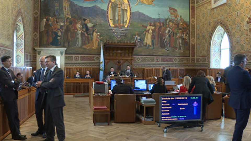 Il Consiglio esamina le istanze ma a tenere banco sono le tensioni Dc