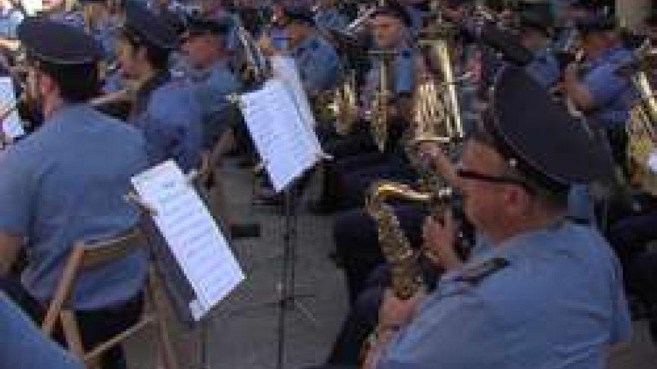 La Banda Militare dà il benvenuto alla bella stagione