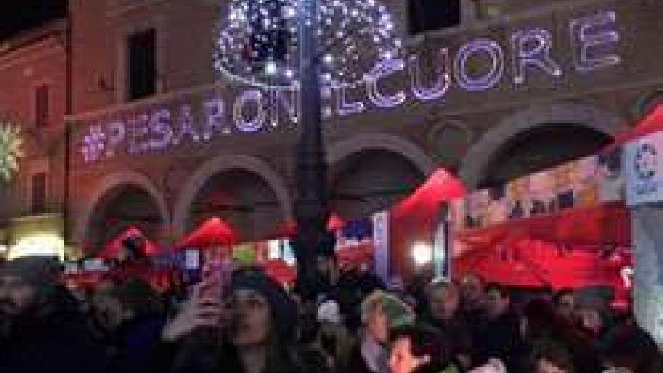 """Pesaro: """"Natale very (n)ice"""", il centro pieno di luci ed emozioni"""