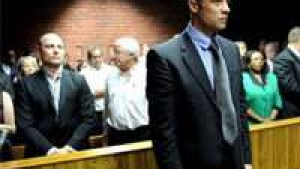 Pistorius: formalizzato il capo d'accusa, a processo in marzo.
