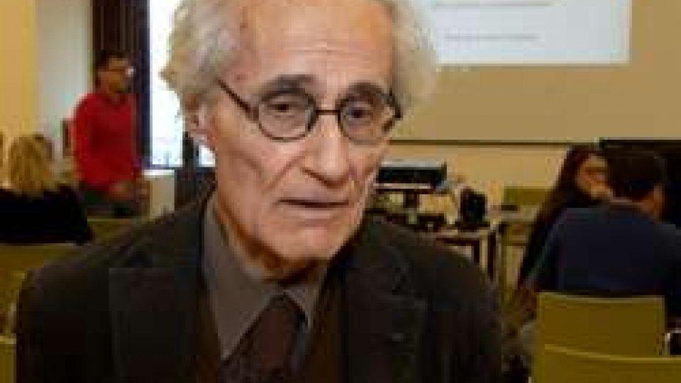 """Luciano CanforaLuciano Canfora: """"assecondare i bisogni popolari è una cosa seria"""""""