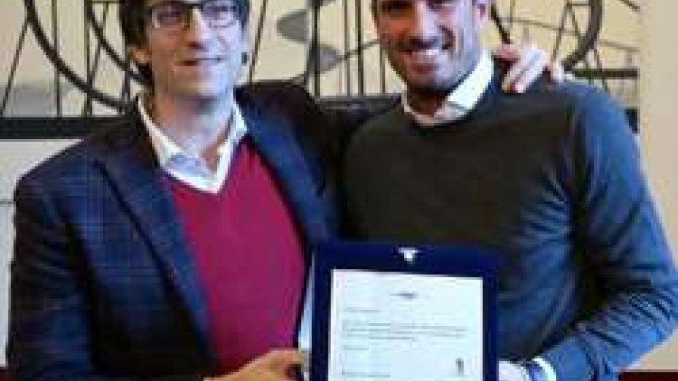 Sport, in residenza comunale la premiazione del cestista azzurro Alex Righetti