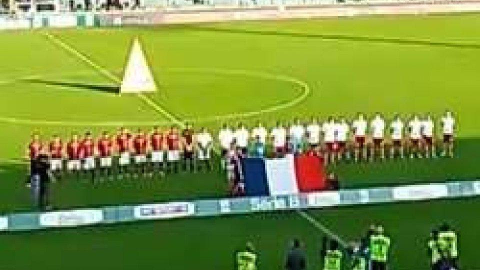 Strage Parigi, Serie B su campi l'inno franceseStrage Parigi, Serie B: su campi l'inno francese