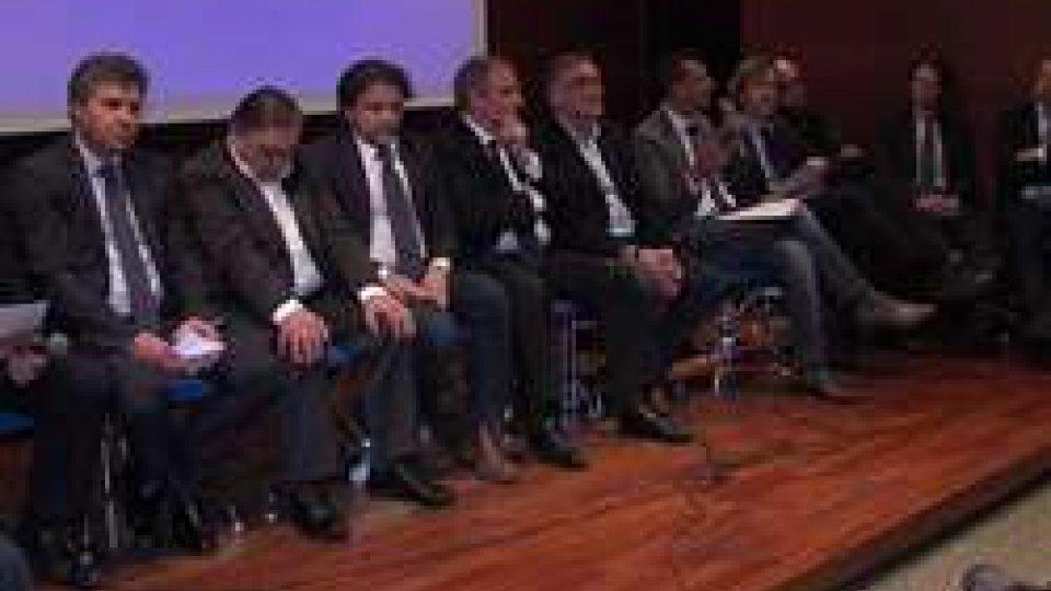 I relatori della serataBanche e sviluppo: opposizione unita all'attacco del Governo