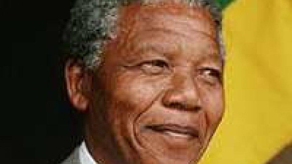 Nelson Mandela: condizioni stabili, ma gravi