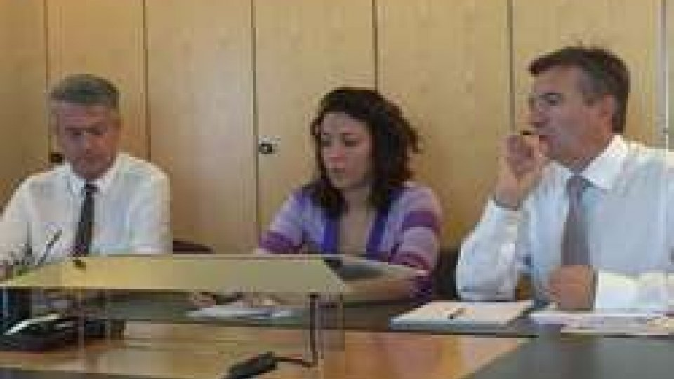 """Giuseppe Morganti, Marica Montemaggi e Roberto GiorgettiAdesso.sm: """"Tutti sul Pianello a fare cosa?"""" La maggioranza fa quadrato attorno al Governo"""