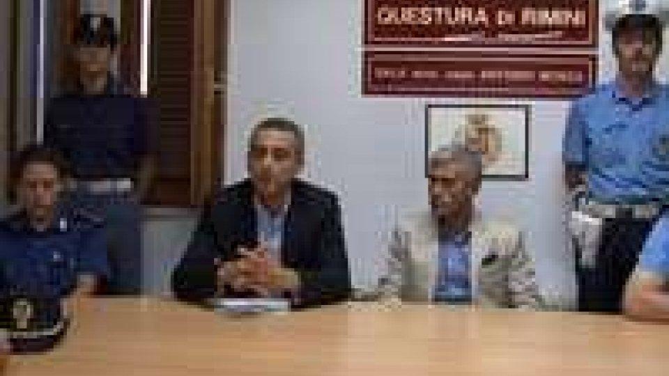 Carabinieri, Questura e Polizia Municipale contro l'abusivismoCarabinieri, Questura e Polizia Municipale contro l'abusivismo