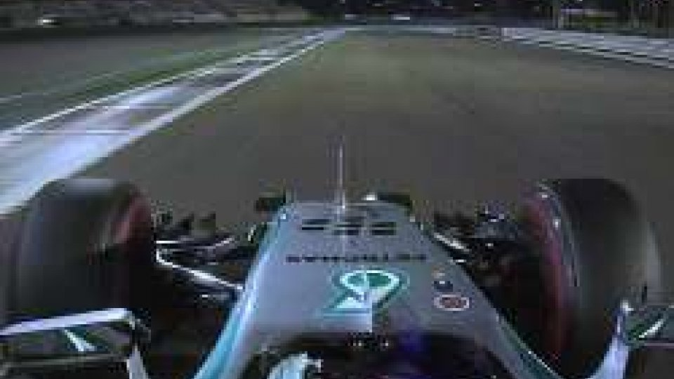 F1, Abu Dhabi: il venerdì è di Rosberg