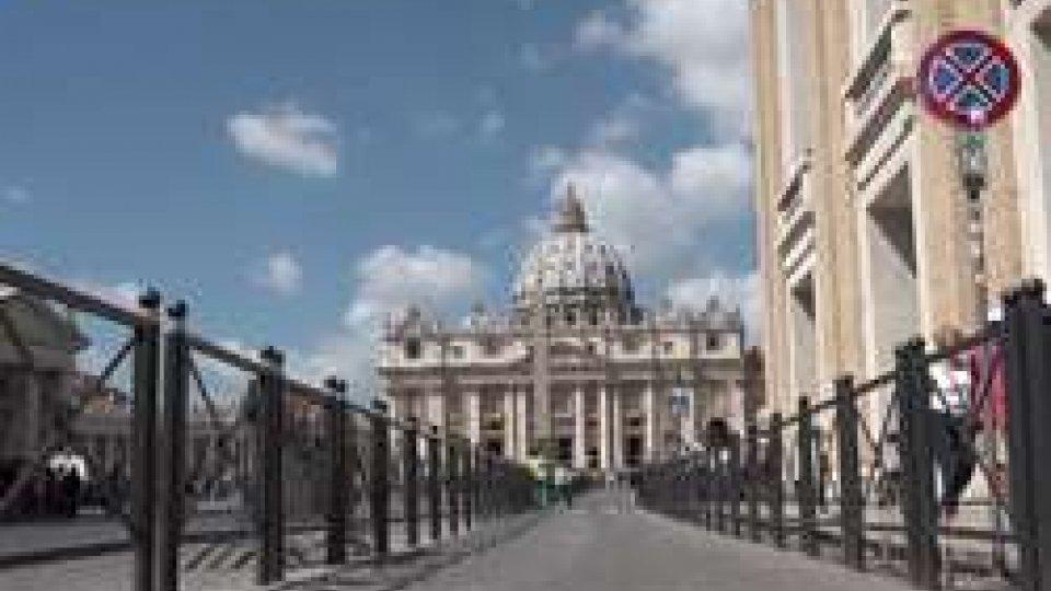 Vaticano, due pezzi da novanta abbandonano la Curia romanaVaticano, due pezzi da novanta abbandonano la Curia romana