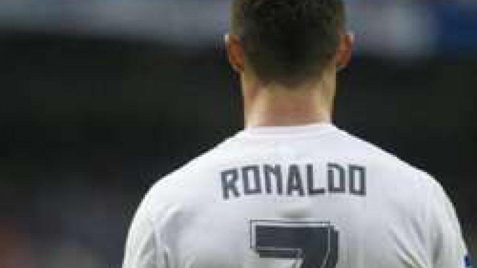 Cristiano Ronaldo (Gettyimages)Pre Europei: La Polonia stecca ancora. CR7 vince gli Europei dei Social