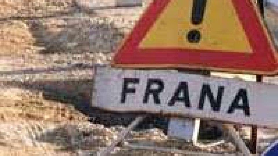 Verucchio: frana in via Serra, evacuati alcuni residenti