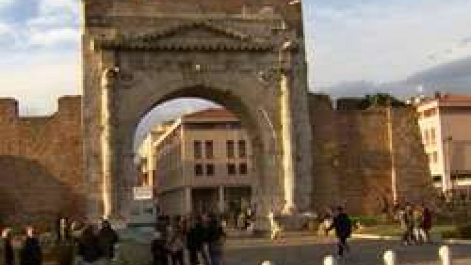 L'Arco di Augusto a RiminiCreditsafe: Rimini seconda in classifica per propensione all'impresa