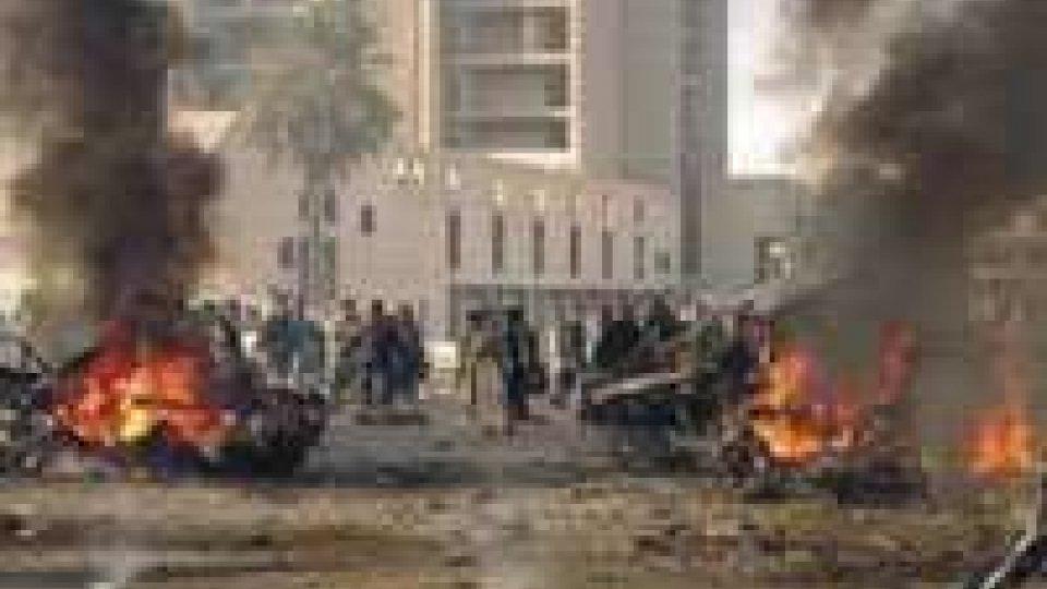 Iraq, decine di morti in attentati e scontri religiosi.