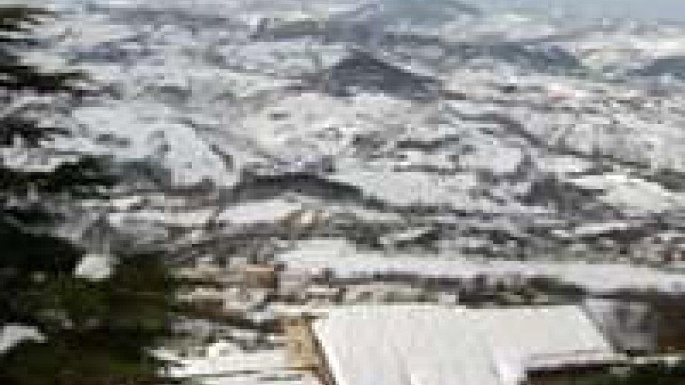 Allerta neve fino a lunedì, il freddo gela l'ItaliaAllerta neve fino a lunedì, il freddo gela l'Italia