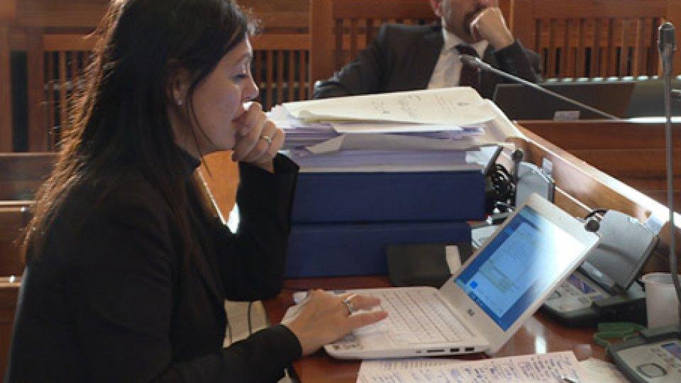 Eva GuidiIn aula il bilancio dello Stato: 62 le richieste di parola, toni pacati ma analisi distanti