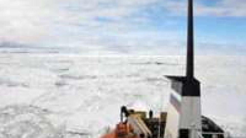 Antartide: nave bloccata, in lista passeggeri due italiani