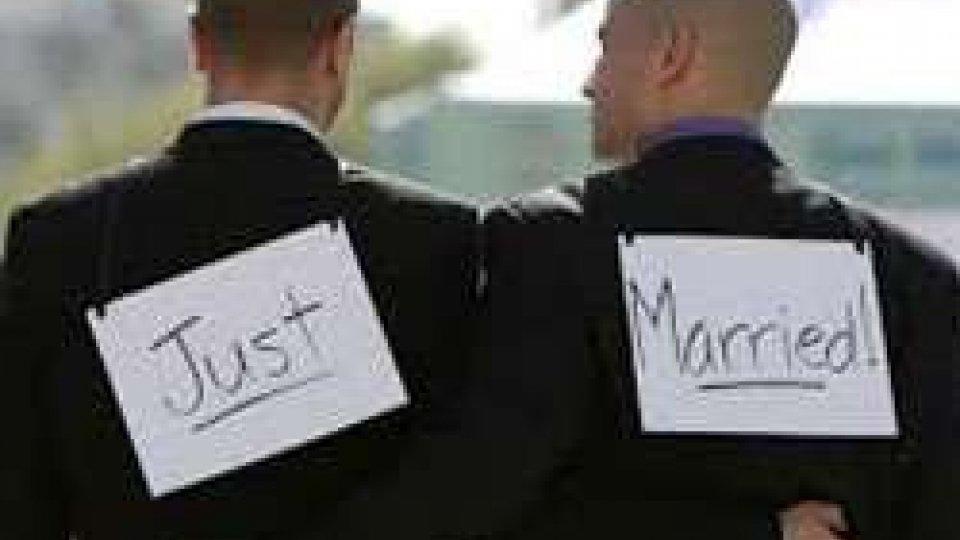 Nozze Gay, il Consiglio di Stato boccia il registro: è bufera sul giudice