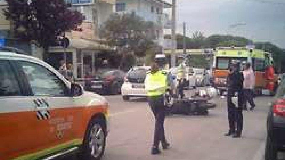 Riccione: incidente tra due scooter in via Portofino