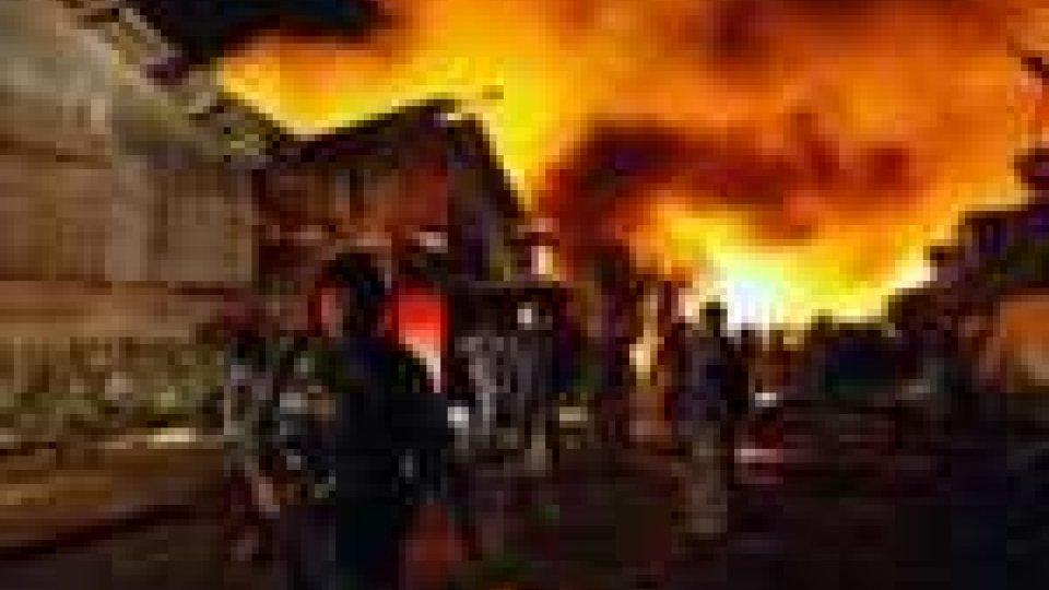 Almeno 17 morti in incendio scoppiato in Birmania: non è un attentato