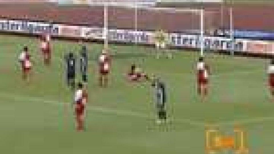 Rimini-Cuneo 0-0 nell'andata dei play off del campionato di seconda divisione girone ARimini-Cuneo 0-0 nell'andata dei play off del campionato di seconda divisione girone A