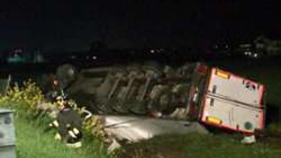Valle del RubiconeIncidente a Rimini Nord, muore camionista in A14
