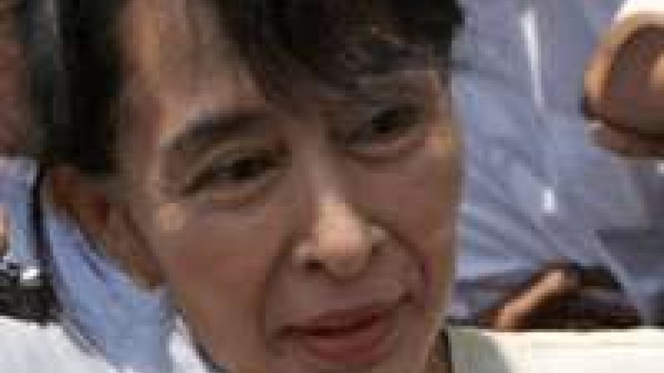 Birmania. Aung San Suu Kyi boicotta cerimonia giuramento?
