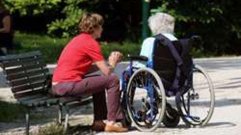 """Rete e odg su assistenza anziani: """"Verso la fine del far west"""""""