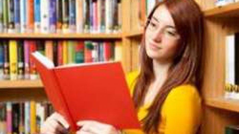 """Scuola: premiati i vincitori del Concorso """"Studente appassionato alla lettura"""""""