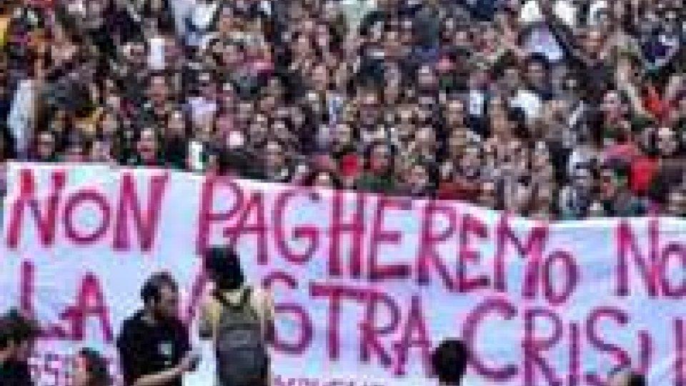Scuola: studenti in piazza contro i tagli