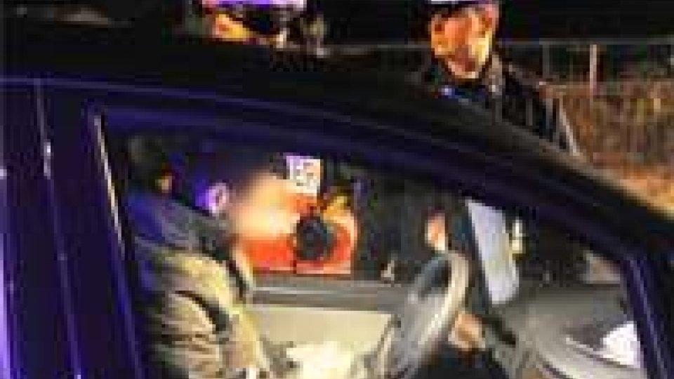 Riccione: Carabinieri arrestano due persone e ne denunciano 14 dopo una notte di controlli