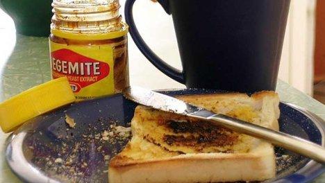 Australia - Apprezzatissima la Vegemite, una crema salata composta da estratto di lievito, simile alla britannica Marmite, che viene spalmata su fette di pane tostato.