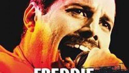 """""""Freddie Mercury"""", il leader dei Queen nella biografia di Luca Garrò"""