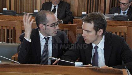 Consiglio: Renzi sotto attacco, dalla vicenda Gozi al caos targhe